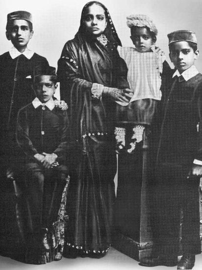 Gandhi's family, 1901