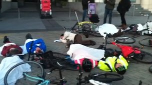 Cycling die-in