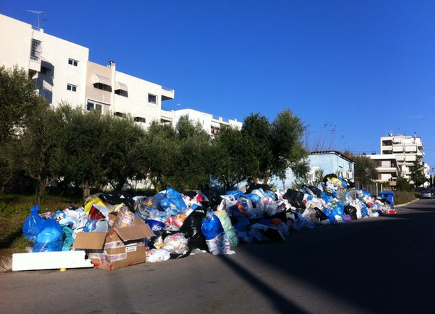 Rubbish on a street in Pyrgos