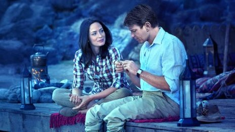 Emily Blunt and Ewan McGregor in Salmon Fishing in the Yemen