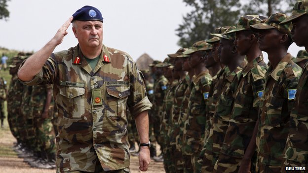 EU inspection of Somali troops trained in Uganda, 18 Oct 13