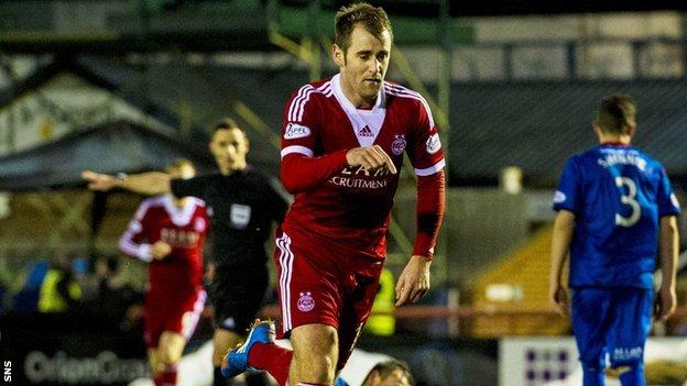 Niall McGinn scores Aberdeen's fourth goal