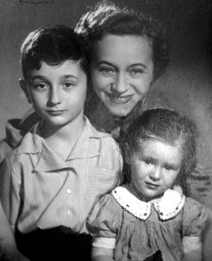 Marcello, his mother and his sister, Eva