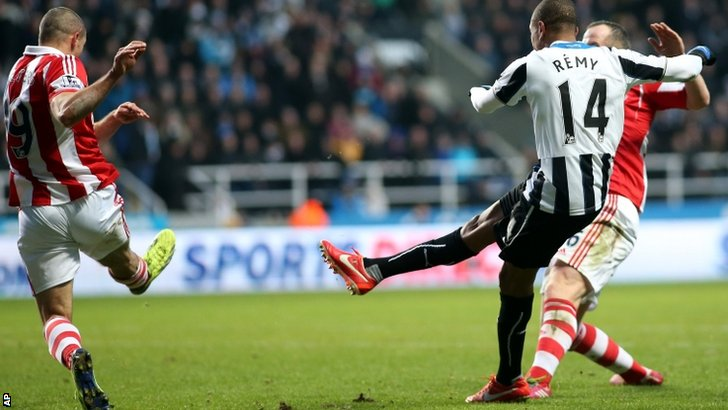 Loic Remy scores for Newcastle