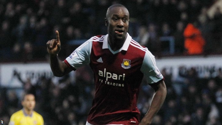 Carlton Cole celebrates scoring for West Ham