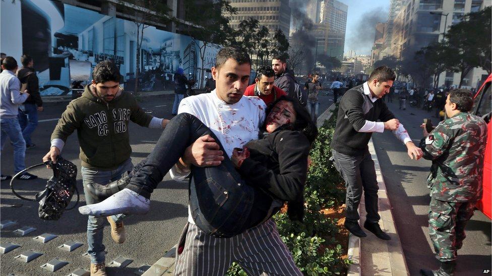Una fuerte explosión sacudió este viernes la capital Beirut. El ex ministro de Finanzas de Líbano Mohammed Shattah murió tras el evento.