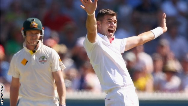 James Anderson appeals for George Bailey's wicket