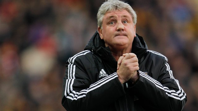 Steve Bruce looks on during Hull's 6-0 thrashing of Fulham