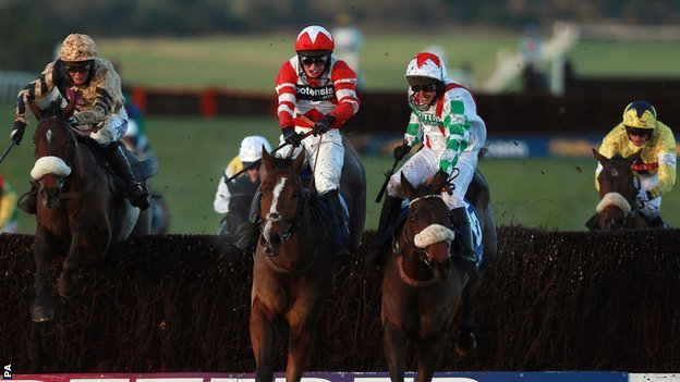 Welsh National winner Mountainous (right, foreground)