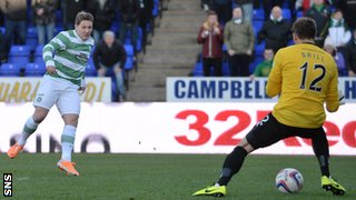 Kris Commons scores for Celtic against Inverness