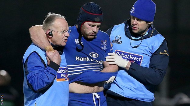Sean O'Brien goes off injured