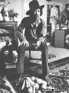 Jimi Hendrix in his 23 Brook Street flat