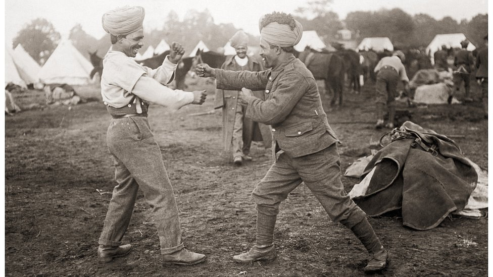 Indian soldiers serving with the British Army engage in a friendly boxing match, circa 1916