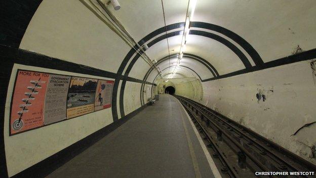 Aldwych station platform