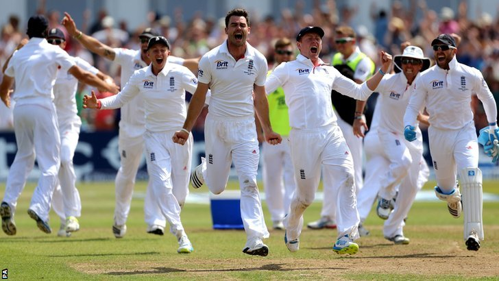 England celebrate at Trent Bridge