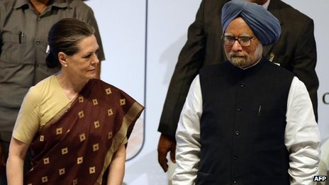 Sonia Gandhi and Manmohan Singh, Nov 2011