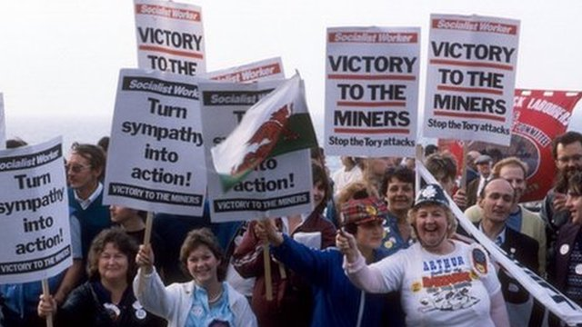 Miners and miners' wives held demonstrations during the strike