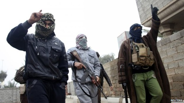 Sunni militants linked to al-Qaeda in Fallujah (3 January 2014)