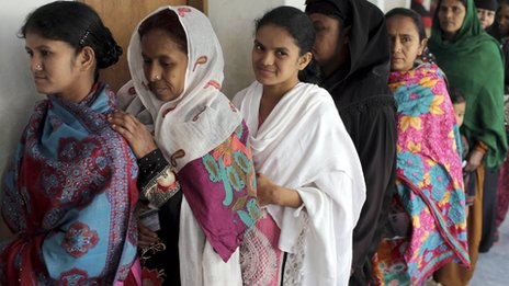 Women voting in Dhaka
