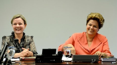 Glesi Hoffmann (left) and President Dilma Rousseff (right) 6 June 2013