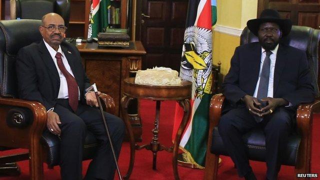 South Sudan President Salva Kiir (R) and his Sudanese counterpart Omar al-Bashir