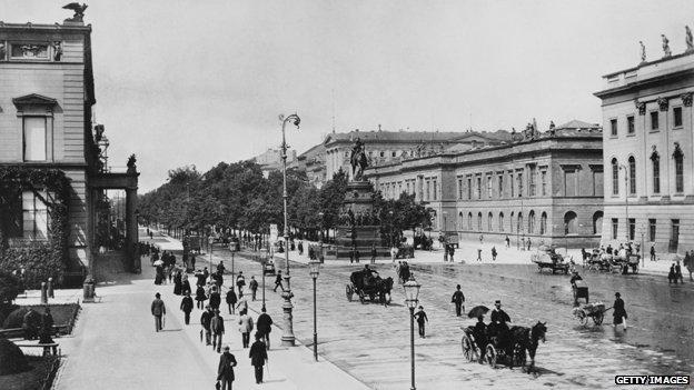 Unter Den Linden, 1900