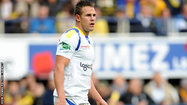 Clermont full-back Lee Byrne