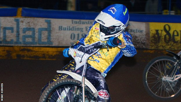 Cameron Woodward in action for Eastbourne Eagles