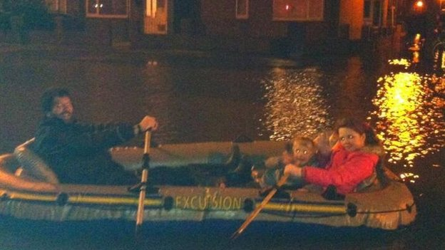 Man in boat on Abingdon Road
