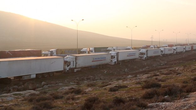 Trucks waiting at the Syria Turkey border