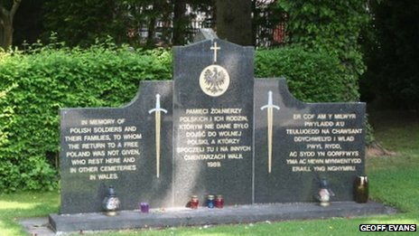 Memorial to Polish soldiers at Wrexham Cemetery