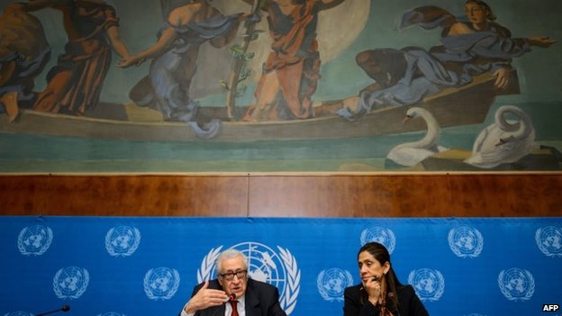 Lakhdar Brahimi speaks to reporters at the UN's headquarters in Geneva (December 2013)