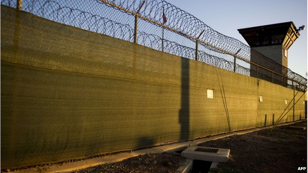 """The guard tower of """"Camp Six"""" detention facility of the Joint Detention Group at the US Naval Station in Guantanamo Bay, Cuba (January 2012)"""