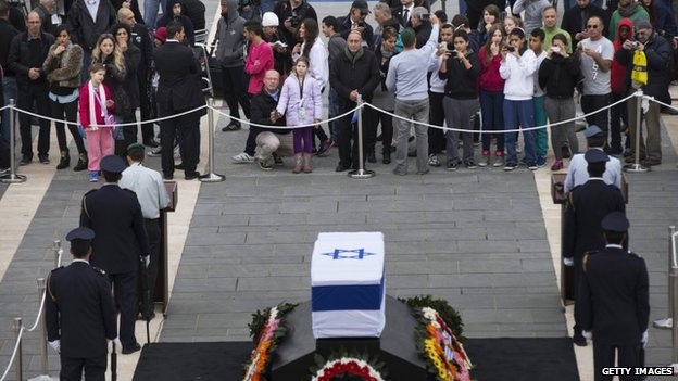 President Shimon Peres lying in state