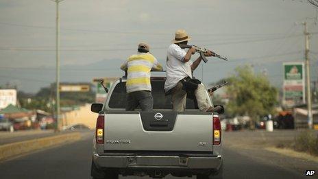 Michoacan vigilantes in Nueva Italia
