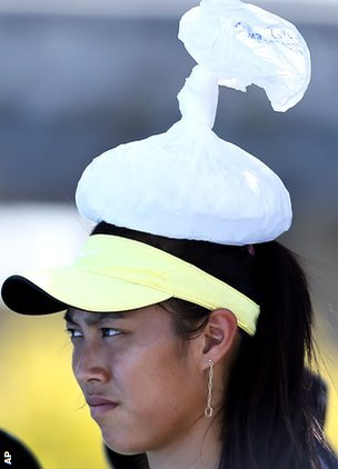 Chan Hao-ching cools off with an ice pack on her head