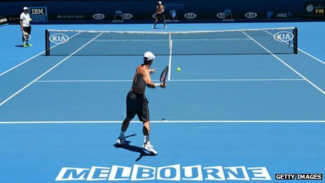 Lleyton Hewitt practises at the 2014 Australian Open