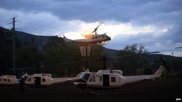 Mexican Federal Police helicopters arrive Morelia on 13 January, 2014