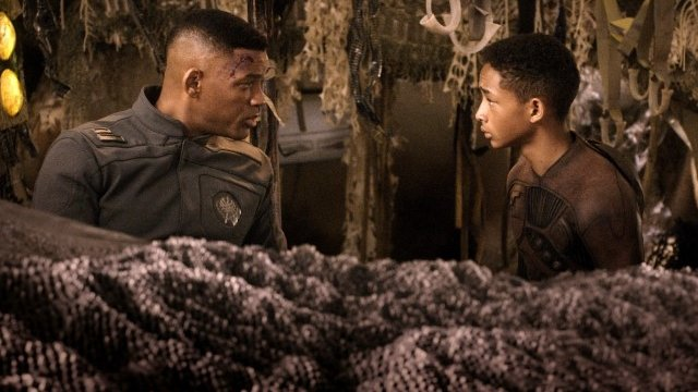 Will and Jaden Smith in After Earth