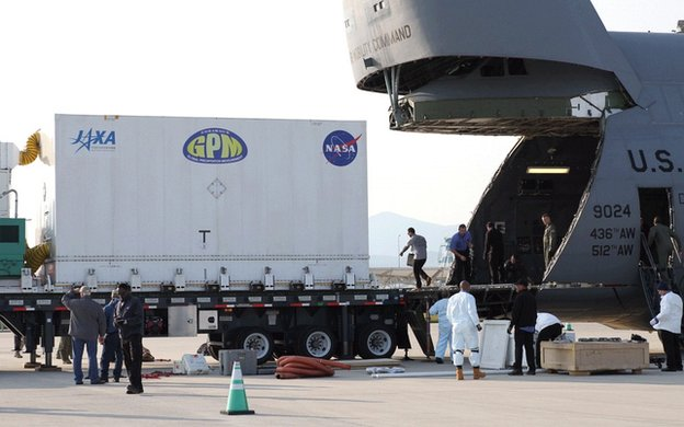 C-5 cargo plane