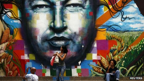 Mural with the face of Chavez in Caracas