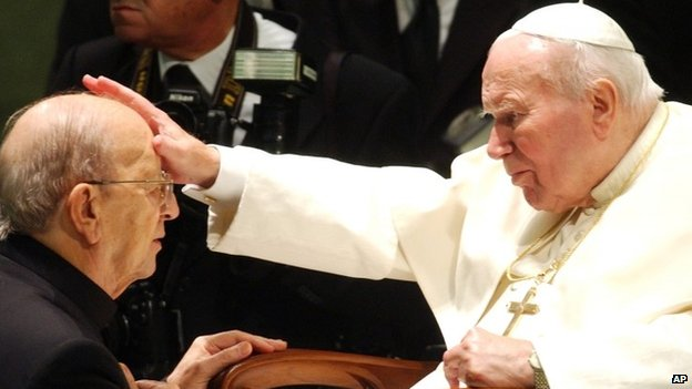 Pope John Paul II blesses Father Marcial Maciel - Nov 2004