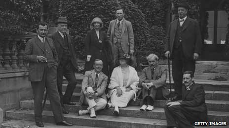 Members of the Labour Party at Easton Lodge, 1923