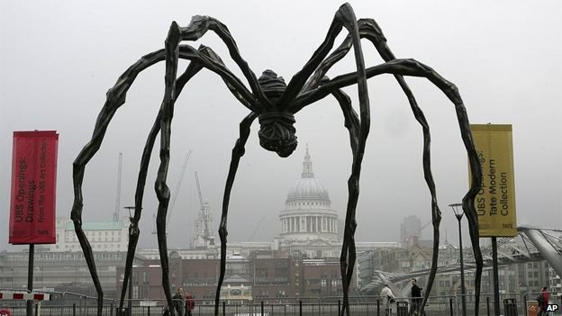 Louise Bourgeois's monumental steel spider, Maman