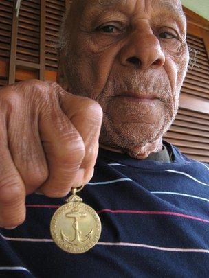 Argemiro dos Santos with a medal