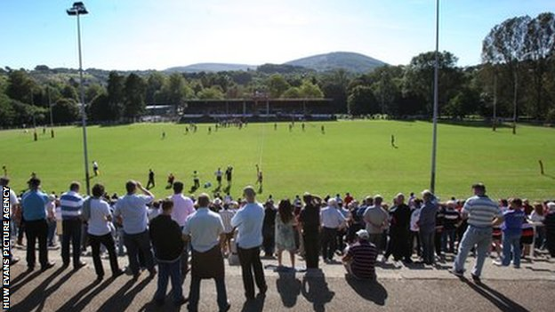 Fans watching Pontypool in action at Pontypool Park