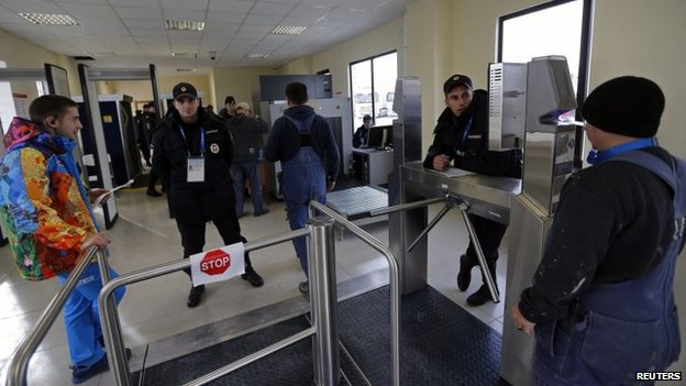 Security checks in Sochi, Russia (16 Jan 2014)
