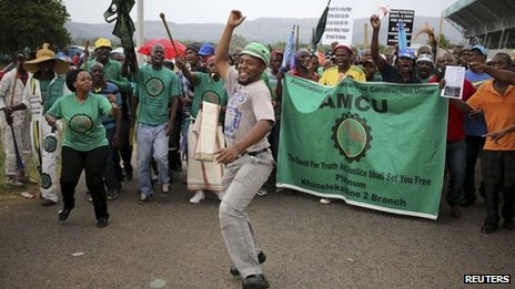 Members of South Africa's Association of Mineworkers and Construction Union (Amcu) attend a rally in Rustenburg, northwest of Johannesburg January 19, 2014.