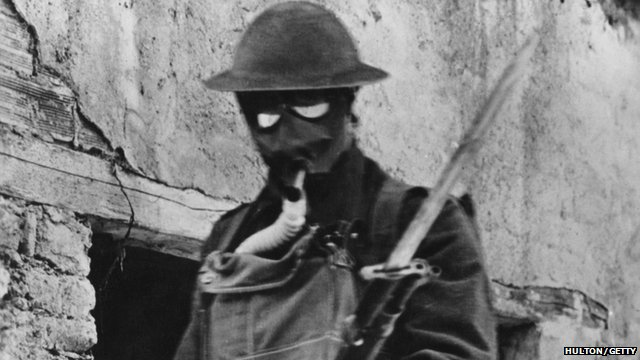 American soldier wearing a box respirator in 1917