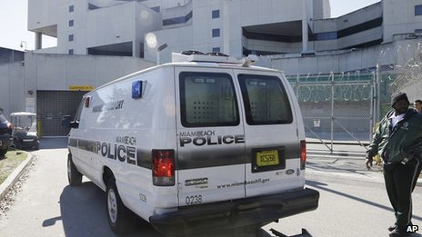 Police van believed to be carrying Justin Bieber